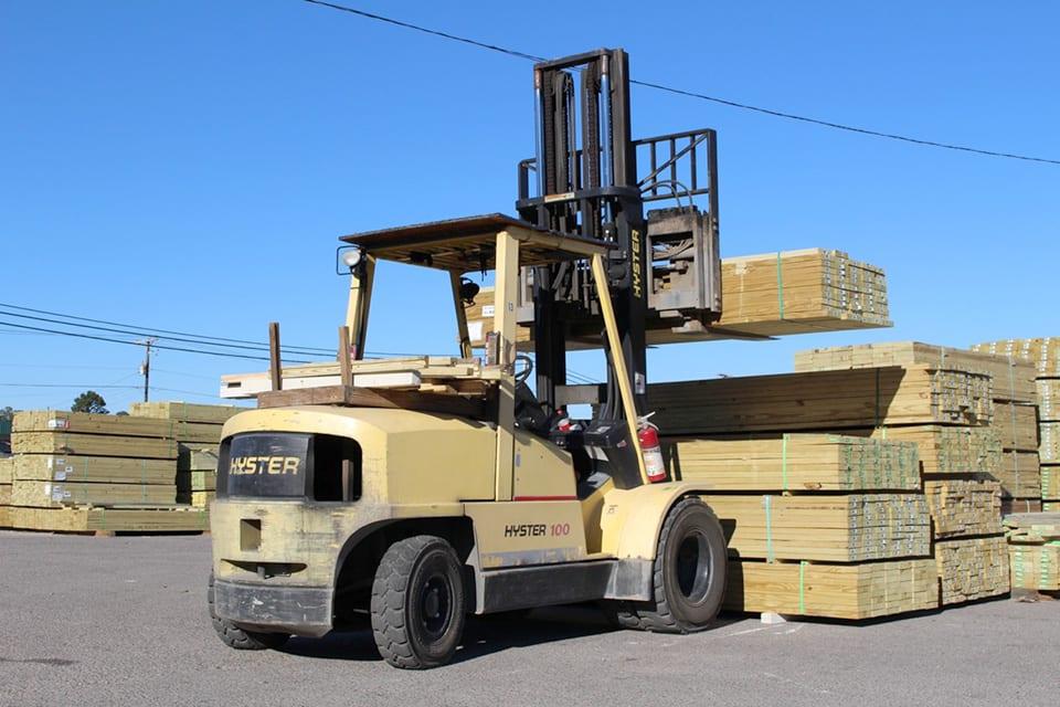 Oswald Wholesale Lumber - Lumber Yard